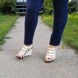 [Anne Klein] White strappy wedge sandal